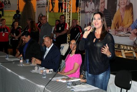 Rita Passos participa com Lu Alckim da abertura dos Jogos Regionais do Idoso