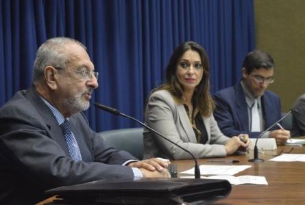 Secretário Nalini presta contas na Comissão de Educação
