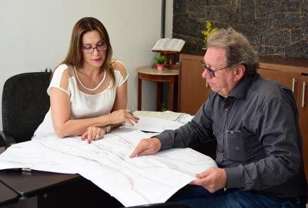 Obras da SP079 serão retomadas ainda este ano, afirma DER à Rita Passos