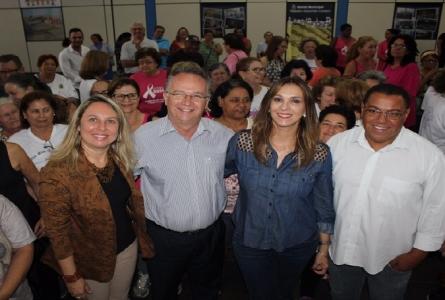 Rita Passos entrega roupas de ginástica para Laranjal Paulista